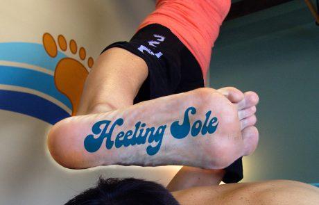heeling-sole-foot-print-logo