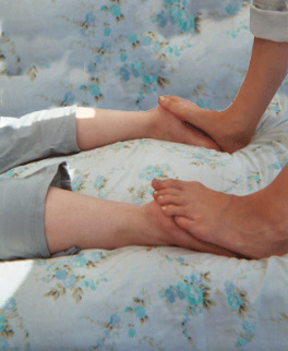 pada mudra foot massage